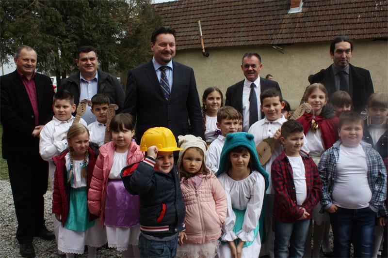 Potpisana još dva ugovora o dodjeli bespovratnih sredstava za energetsku obnovu škola u Požeško-slavonskoj županiji